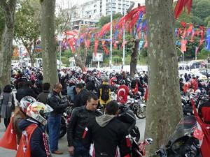 Nationalfeiertag auf Türkisch: Motorrad-Korso in der Entstehung