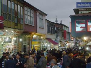 Malatya: geschäftiges Treiben auf dem Markt vor dem Opferfest