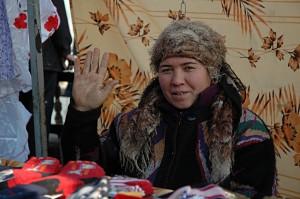 Kumtepa Bazaar: Friendly saleswoman