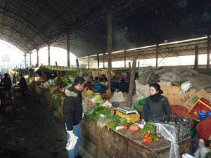 Shopping in Kuqa: Chinese produce market