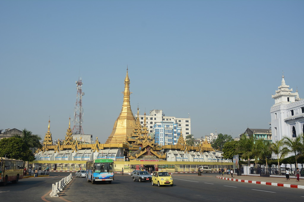 Sule Paya: the center of Yangon