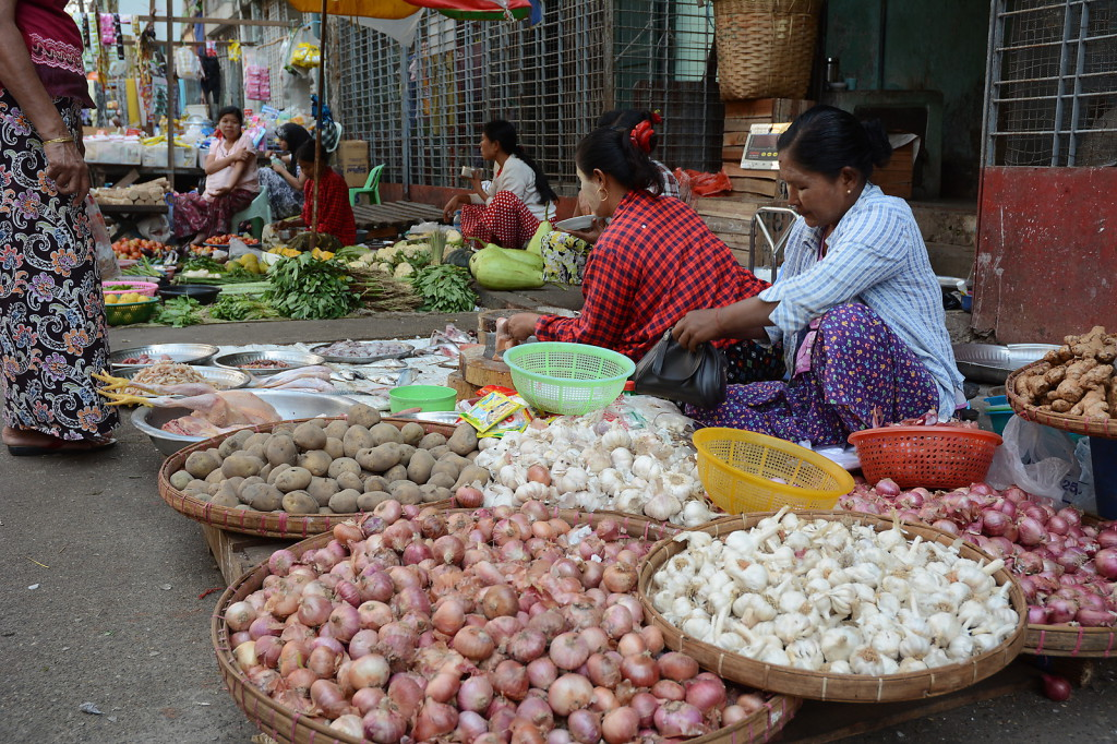 Also seen at any market in Myanmar as well as present in almost every meal: onions and garlic