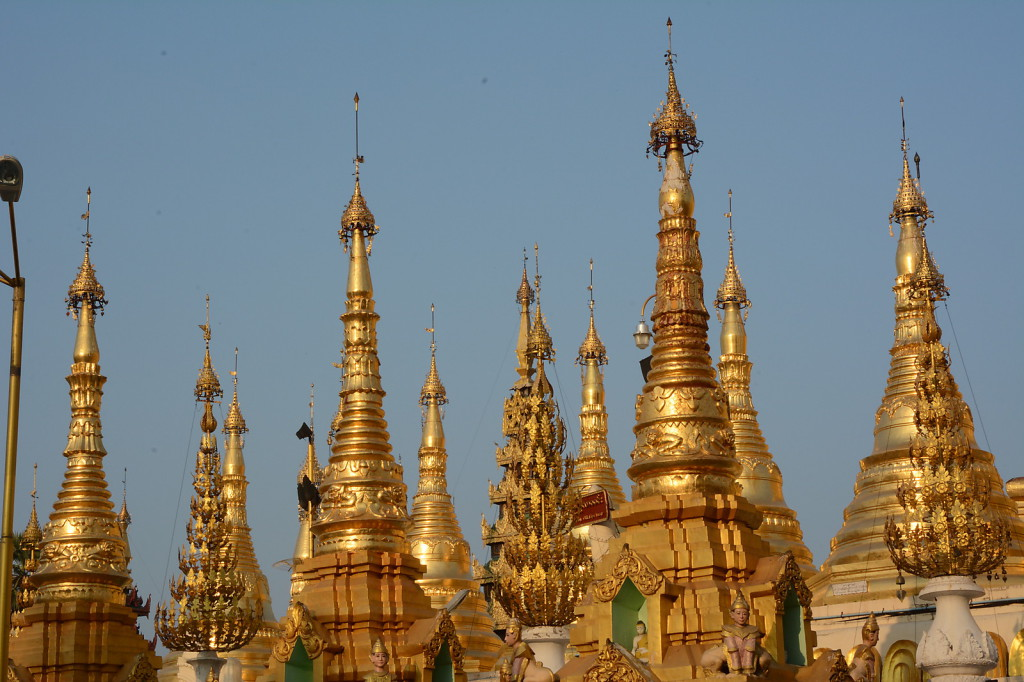 Golden stupas surrounding Shwedagon Paya