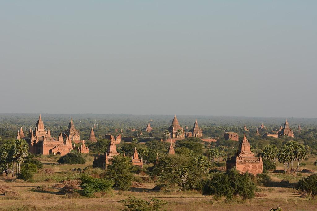 Bagan in der sengenden Hitze...