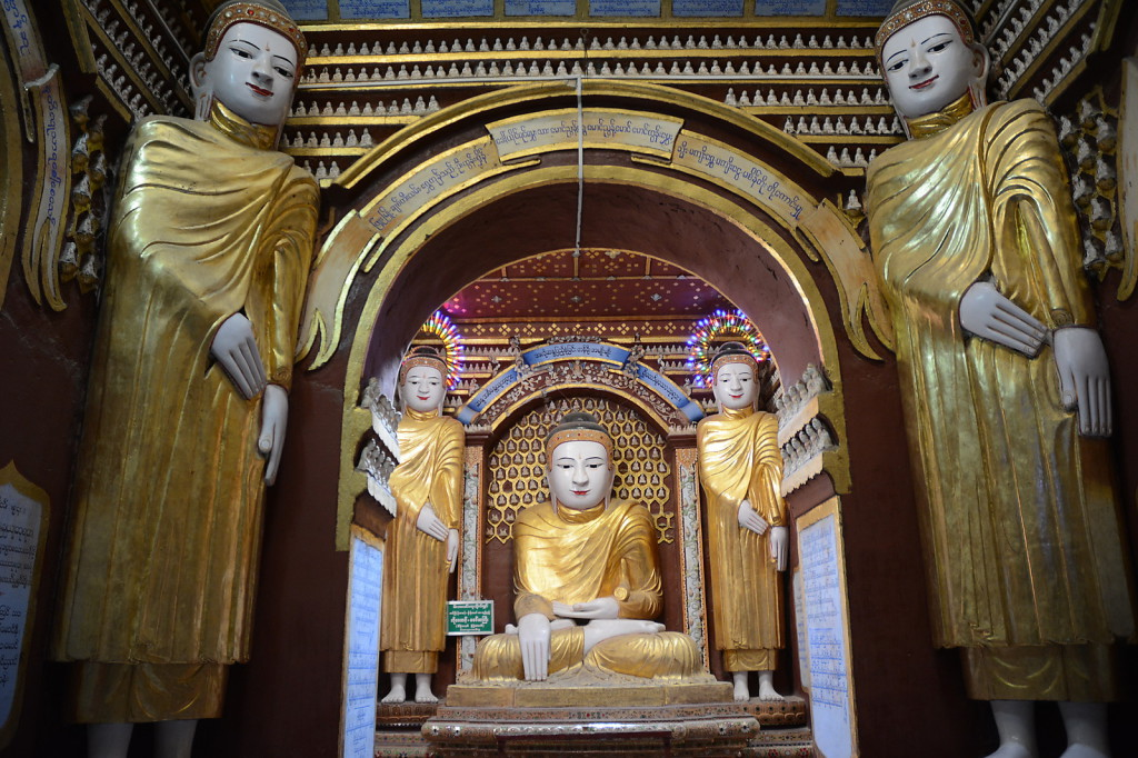 Apparently more than 500000 Buddhas in one monastery: Thanboddhay