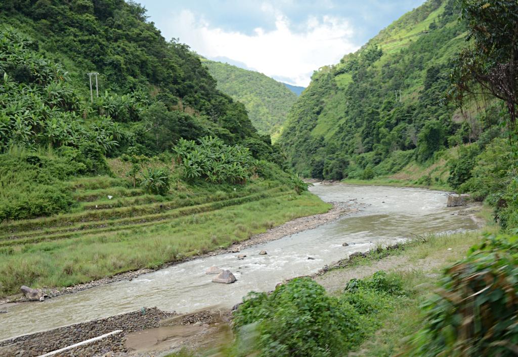 Deep valleys between Lvchun and Jiangcheng