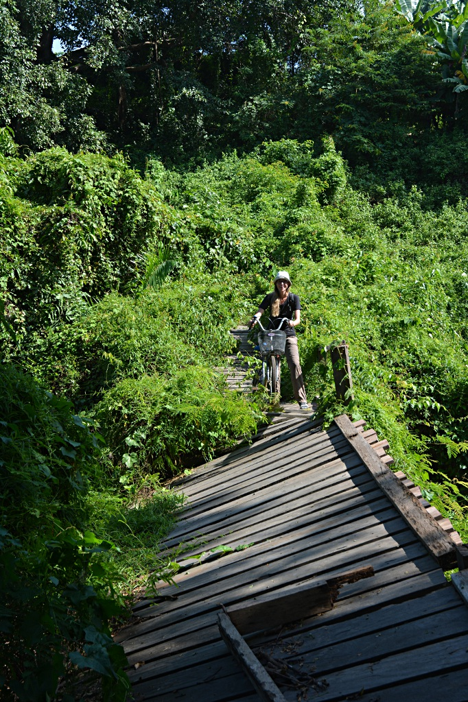 Challenging cycling path on Don Khone