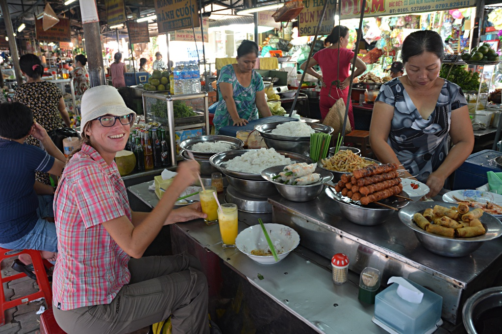 Another delicious mixed lunch at the Vinh Long market