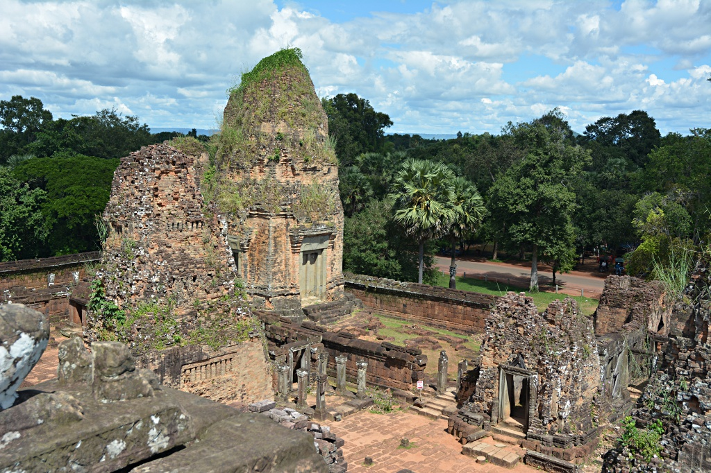 Eastern Mebon, one of the temples without any shade