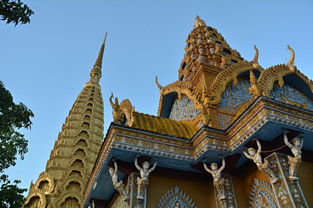 Wat on top of Phnom Sampeu