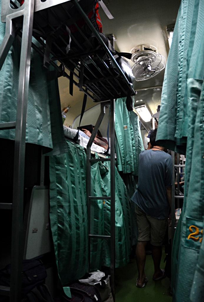 Thailändischer Schlafzug von Bangkok nach Surat Thani