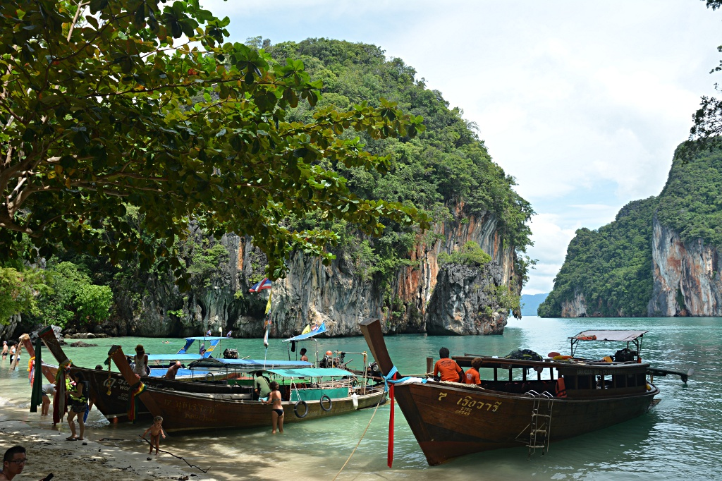 Hidden beach on Ko Lao Lading or Paradise Island