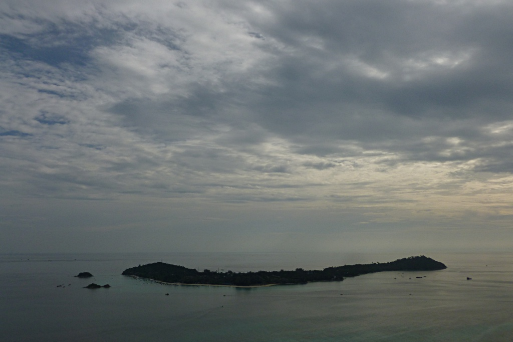 Ko Li Pe vom Chado Cliff auf Ko Adang gesehen